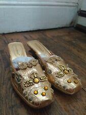 Pierre Dumas ~Designer Collection ~Ladies Gold Shoes ( NEW ) Size 8M