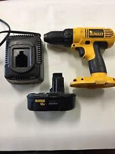 """DeWALT DC759  18V 18 1/2"""" Cordless Drill Tool With Battery And Charging Station"""