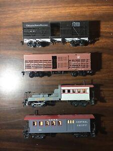 4 - Vintage Mantua Tyco HO Scale Train Cars $1 Lot #202