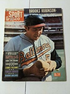 RARE Sport Grafico Spanish Baseball Magazine -Brooks Robinson- October 30, 1970