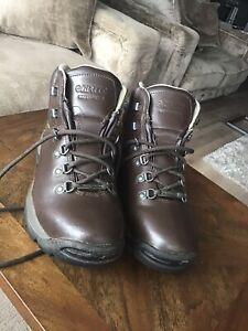 Hi Tech Hiking Boots Waterproof Scarfell Size 7