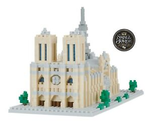 Nanoblock NOTRE DAME CATHEDRAL, Deluxe Series, NBH-205,1040 Pieces, Level 4, NEW