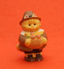 Hallmark Merry Miniatures Thanksgiving 1995 Cameron Cat Pilgrim QFM8169