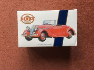 Dinky DYS-17 1939 Truimph Dolomite in Red Scale 1:43