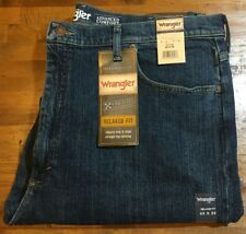2056bcb4 WRANGLER RELAXED FIT 4-WAY FLEX STRAIGHT LEG JEANS - Men's 40 X 30 NWT
