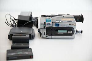 Sony Digital 8TR7000E Camcorder /Hi8, Video8 Handycam Camcorder
