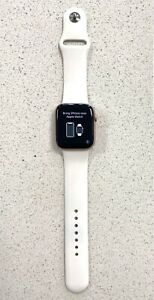 Apple Watch Series 4 44mm Gold Aluminium Case with White Sport Band (GPS)