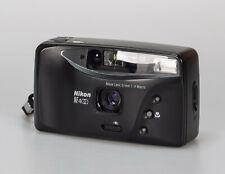 Nikon AF 400 // 31mm 1:4 Macro