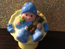 FISHER PRICE LITTLE PEOPLE DOLL HOUSE BABY BOY INFANT SEAT BLUE SLEEPER W BEAR