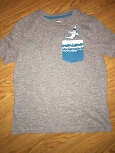 EUC Old Navy Boys Short Sleeve Shirt Size 8 Gray
