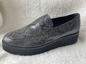 Vince Zeta Black Gray Snakeskin Embossed Platform Slip On Loafer 9.5 US/39.5 EU