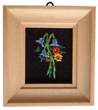 Casa De Muñecas Hecho a mano en miniatura de los años ochenta Bordado Luz Foto marco Bluebell