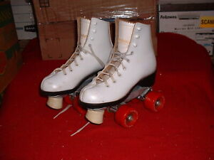 VINTAGE WOMEN'S LEATHER RED WHEELS DOMINION CANADA ROLLER SKATES