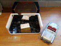 Burago Chevrolet Corvette 1957 Silver / Red 1:18 Diecast boxed