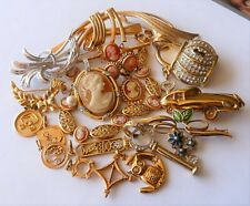 COSTUME JEWELRY LOT DE BIJOUX ANCIENS FANTAISIE VINTAGE EN PLAQUE OR DE QUALITE