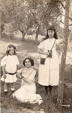 BE079 Carte Photo vintage card RPPC Femme woman fille jumelle bois foret fashion