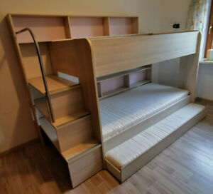 90x200 Kinder Etagenbett mit Bettkasten, Treppe und Geländer für 3 Kinder