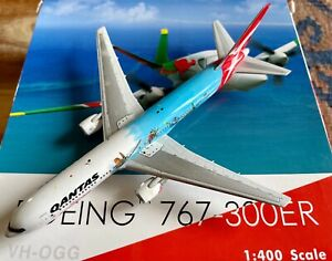 1:400 Phoenix Models Qantas Airways Boeing 767-338ER VH-OGG 'Rockhampton'