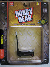 17015 Hobby Gear 1/24 Floor Jack For Cars  Great For Dioramas & G Scale Trains