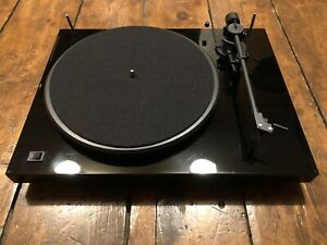 Pro-Ject Debut II Turntable Record Player