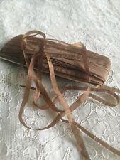 Ruban ancien Pure Soie à broder, 6mm, fleurs, habit poupée, coiffure, doll dress