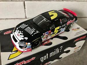 Terry Labonte #5 Got Milk? 2003 Chevy Monte Carlo, Action 1:24