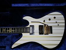 Synyster Custom S Gloss White w/Gold Pin Stripes