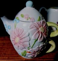 Teapot for 1 Stacking Daisy Flowers Floral White Pink Blue UNUSED VINTAGE