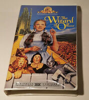 The Wizard of Oz VHS Video MGM/UA Family Entertainment Judy Garland Clamshell