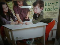 BENZ GREEN LULLABY TABLE CARTON RECYCLE NEUF