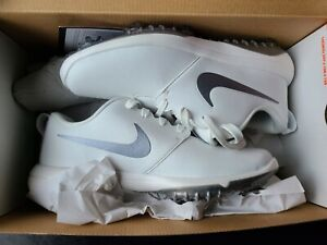 NEW IN BOX NIKE WOMEN'S ROSHE G TOUR GOLF SHOES, SIZE: 9.5 (AR5582-100)