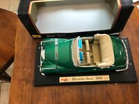 1955 Mercedes-Benz 300S Maisto Special Edition 1/18 Scale Diecast  BOX IS DAMAGE