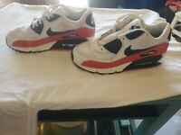 Youth Nike Air  White/Red/Black Sneakers 307793-123 size 5Y