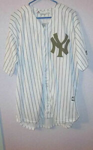 Majestic NEW YORK YANKEES Size M JERSEY Limited Edition ARMY GREEN Memorial Day