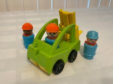4pc Vintage Fisher Price Fork Lift With Construction Men (See My Other Fp Items)