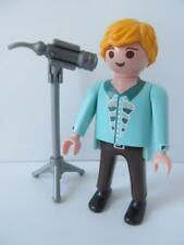 Playmobil Dollshouse/wedding/hotel figure: Singer/entertainer & microphone NEW