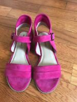 Hush Puppies Women's Pink Suede Flat Sandal Size 7 Wide Large Eur 38