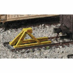 Walthers 933-2602 - Track Bumpers yellow   5/   - N Scale