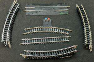 Aurora / TRIX N-Scale Track, 18 Curve, straight, Power, Re-Railer. Rare Vintage