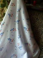 2m x1,10,tissus gaufré- fond blanc  les cerises et la fillette bleue  vétements