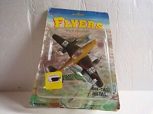 FLYERS WW2 FIGHTERS DIECAST GERMAN AIRPLANE 1:72 SCALE RETRACTABLE WHEELS