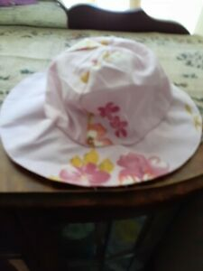 baby girl size 000 sun hat preowned by a doll