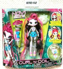 Novi Stars Curl N' Coil Roe Botik Circuit Poupée Fashion Doll Giochi Preziosi