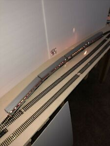 Vintage HO Sante Fe Passenger Cars, Set Of 4, With Lights