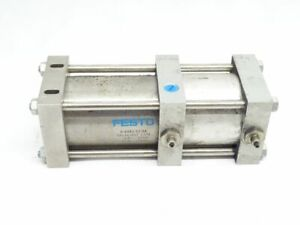 Festo SA1341657 Zylinder D-63X2-32-SA / 1,5 10bar / 21,8 174psi