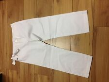 lacoste ladies 3/4 trouser white.