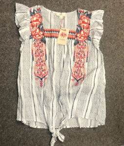 Entro Sleeveless Tie Front Embroidered Top