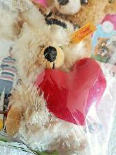 Steiff Teddy Charlie 901256 mit Herz 12 Cm beige
