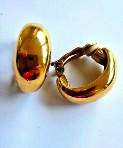 Earrings Vintage Ciner Stamped Gold Clip ons excellent quality
