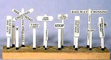 BANTA MODELWORKS CROSSBUCKS (11) HO Model Railroad Structure Wood Kit BM2031